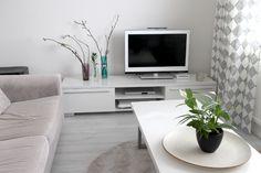 Scandinavian living room. Black and white.  Koti-ikävä Blog