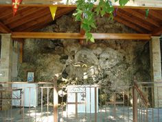 www.vasiliki-village.gr/ Name Day Today, Peaceful Places, Cabin, House Styles, Building, Sunday, Facebook, Home Decor, Domingo