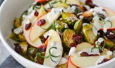 Mettende vintersalat med bakt rosenkål og søtpotet - Vektklubb Norwegian Food, Potato Salad, Zucchini, Salads, Vegan Recipes, Potatoes, Vegetables, Ethnic Recipes, Vegane Rezepte