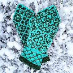 Ravelry: Kamilla mittens pattern by JennyPenny Mittens Pattern, Knit Mittens, Knitted Gloves, Knitting Socks, Knit Socks, Baby Clothes Patterns, Baby Knitting Patterns, Crochet Hats For Boys, Knitting Needle Sets