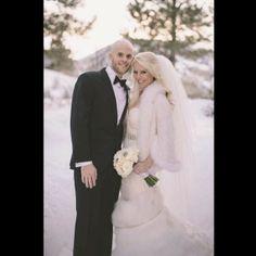wedding, destination wedding, sparklers wedding exit, winter wonderland wedding, aspen wedding, bride and groom, wedding dress up on the blog www.tessarayanne.blogspot.com