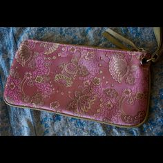 "Fiona Land wristlet! Bundle=20% OFF!! Pretty Fiona Lang wristlet! Features full zipper closure, and interior zipper pocket. Measures 11x5.5"". Great condition! Bundle 2 or more items and save 20%!! OR make me a reasonable offer via the ""Offer"" button! Fiona Lang Bags Clutches & Wristlets"
