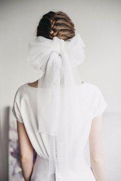 Wedding Hairstyles With Veil, Short Wedding Hair, Wedding Bows, Wedding Headband, Bridal Hair Pins, Wedding Hair And Makeup, Wedding Dresses, 1920s Headband, 1920s Headpiece