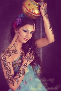 The definition of body art Mehndi Art, Henna Mehndi, Henna Art, Arabic Henna, Native American Models, Black Henna, Mehndi Patterns, India Colors, Photoshoot Inspiration