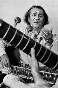 An online art gallery offering the best range of indian art online. Hindustani Classical Music, Indian Musical Instruments, Calming Pictures, Vintage Vignettes, Photographs And Memories, Folk Festival, Vintage Bollywood, Music Pictures, Indian Photography