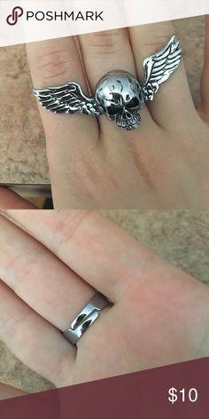 Skull ring Skull ring with wings! Really cute and hardly ever worn. Skull Wedding Ring, Skull Engagement Ring, Vintage Engagement Rings, Wedding Rings, Skull Jewelry, Jewelry Rings, Skull Rings, Jewellery, Skull Design