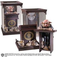ESTATUA GOBLIN GRINGOTTS HARRY POTTER 19 CM, con un precio excelente, Noble Collection nos presenta su nueva línea 'Magical Creatures' con dioramas y estatuas de las peliculas de Harry Potter.