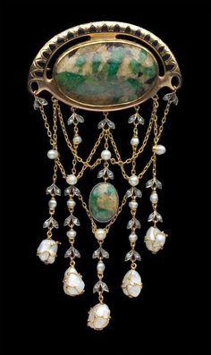 Theodor Farhner Jugendstil Brooch gold enamel Emerald pearl & diamond c. 1900