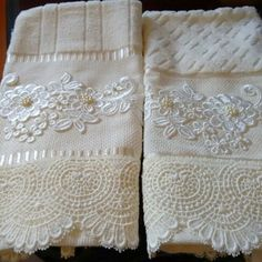 decorative hand towels set of 2 - PIPicStats Sewing Crafts, Sewing Projects, Decorative Hand Towels, Towel Crafts, Shabby Chic Pink, Linens And Lace, Bathroom Towels, Sofa Pillows, Hope Chest
