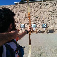 Prova de tir amb arc al castell de#Miravet del 3r Raid Ilercavó organitzat per @lacameta a Ginestar (Ribera d'Ebre) 14aCopa Catalana de Raids dEsports de Muntanya de la @feec_cat  #RaidIlercavó #Ginestar #RiberadEbre #TerresdelEbre #RaidEsportsMuntanya #RaidAventura  #caiac #trail #cursaorientacio #btt #rapel #espeleologia #espeleo  #vidaactiva #esportur #esportour #EsporTourEbre #ebreactiu