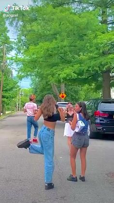 Aesthetic Indie, Aesthetic Videos, Aesthetic Pictures, Summer Aesthetic, Skater Girl Outfits, Skater Girls, Indie Mode, Video Vintage, Picnic Outfits
