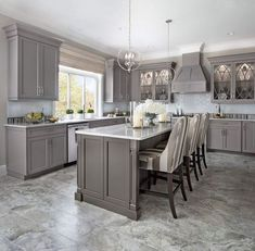 Home Remodeling Kitchen 5 Ideas to Be Creative with Your Grey Kitchen Cabinet Kitchen Cabinet Design, Interior Design Kitchen, Kitchen Cabinetry, Kitchens With Gray Cabinets, Kitchen Cupboard, Brass Kitchen Handles, Dark Wood Cabinets, Grey Interior Design, Brown Cabinets