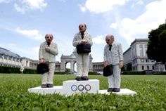 new miniature sculptures by isaac cordal