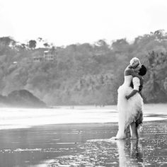 A chic destination wedding in Costa Rica. Photos by A Brit & A Blonde. (ceremony benches)