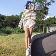 Casual Style # idabbo Casual Chic Style, White Shorts, Instagram Posts, Tops, Women, Fashion, Moda, Fashion Styles, Casual Chic