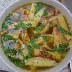 Kleines Lebenszeichen von mir und ein neues Rezept bei mir im Blog: Flädle-Suppe mit Zwiebeln! #rezeptaufdemblog #rezept #rezepte #rezeptideen #food #foodporn #foodie #foodblogger #foodblog #instafood #lecker #yummy #suppe #winter #wärme #omnomnom #nomnom