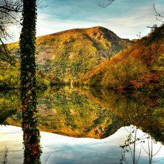 Desembocadura del rio Mao en el Sil en la #RibeiraSacra #Ourense #Galicia Photo by acastineira