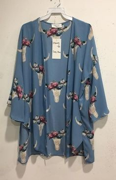 This Zendaya Kimono is featuring one of the most popular new trends, floral bull heads! It's the perfect layering piece in the summer because it's Western Outfits Women, Country Girls Outfits, Cowgirl Outfits, Cowgirl Clothing, Cowgirl Fashion, Cute Fashion, Fashion Outfits, Spring Fashion, Fashion Ideas