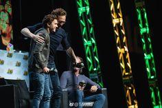 #TomHiddleston and Tom Holland on stage during #ACEComicCon at WaMu Theatre on June 24, 2018 in Seattle, Washington. Source: Torrilla (https://m.weibo.cn/status/4254772032651960 ) #Loki