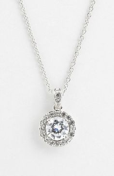 Gorgeous sparkle pendant necklace