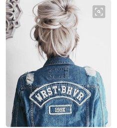 Messy bun // blonde hair Braided Bun Hairstyles, Sleek Hairstyles, Headband Hairstyles, Hairstyles With Bangs, Messy Hairstyles, Quick Hairstyles For School, Everyday Hairstyles, Grey Hair Care, Mullet Hairstyle