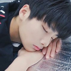 Fanfic / Fanfiction Now and forever- Stray kids- Jeongin e HyunJin - Capítulo 22 - Te amo muito. Lee Min Ho, Minho, Jooheon, Things To Do With Boys, Shared Folder, Kids Icon, Kids Sleep, Baby Sleep, Now And Forever