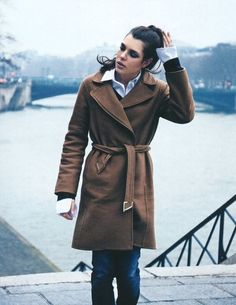Walking along the Sienne.. looking chic