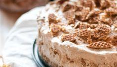Op de heerlijke blog van Pienvonden wij deze onweerstaanbare stroopwafeltaart. Must try! Deze taart heeft vrij…