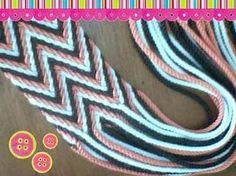 Como hacer tira, gasa, fajon tipo wayuu, My Crafts and DIY Projects Supernatural Style Tapestry Crochet Patterns, Weaving Patterns, Crochet Stitches, Love Crochet, Knit Crochet, Mochila Crochet, Tablet Weaving, Tapestry Bag, Crochet Videos
