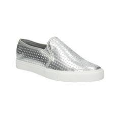 Dámské Slip-on boty zaujmou svým stříbrným svrškem, který navíc zdobí vytlačovaný vzor. Pružení na nártu usnadní obouvání a zpříjemní nošení. Zkombinujte je s džínami, se sukní i s jednoduchými šaty - zkrátka univerzální kousek pro každý den. Snadno je sladíte s ostatními barvami.