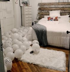 64 Ideas Birthday Surprise Boyfriend Room For Him Anniversary Gifts For 2019 Best Birthday Surprises, Birthday Surprise Boyfriend, Birthday Room Surprise, Birthday Suprises For Boyfriend, Suprise For Boyfriend, 30 Birthday, Birthday Recipes, Ideas Sorpresa, Birthday Room Decorations
