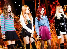Designer Clothes, Shoes & Bags for Women Kim Jennie, South Korean Girls, Korean Girl Groups, Kim Jisoo, Black Pink Kpop, Blackpink Photos, Blackpink Fashion, Stage Outfits, New Girl