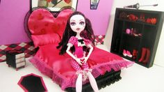 How to make a bed inspired by Monster High's Draculaura -- Recycling. By Simplekidscrafts on Youtube.