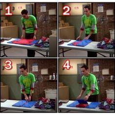 """Póló hajtogató """"gép"""" Sheldon Cooper, Agymenők"""