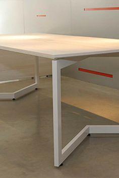 Una síntesis de materiales y diseño, la línea Siria demuestra perfección en calidad y concepto - Ver más en: http://www.officezoneweb.com/producto/59/siria  #furniture   #office   #officefurniture   #officedesign   #officespace