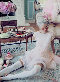 Let me eat cake! @Wildfox has a fabulous Marie Antoinette inspired campaign going on for their sunglasses. Chic and cool