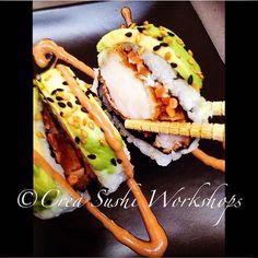 Our #dragonroll #maki #sushi #sushiroll with jumbo #tempura #prawns #jumboprawns #sushiworkshop #healthyfood #japanesefood #shrimp garnalen #avocado #carrots wasabi #ginger #sesamseeds #hoofddorp #gezondeten #instafood #foodlover #goodfood yum yummy #foodpic #seafood #foodie #healthychoice #lowcarb #healthylifestyle #fitfood #Foodstarz #Healthyfoodshare #expertfoods by creasushi