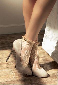 Type 2 romantic lace socks with heels