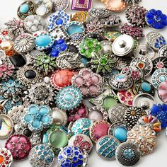 Hot wholesale 50pcs/lot High quality Mix Many styles 18mm Metal Snap Button Charm Rhinestone Styles Button rivca Snaps Jewelry-in Charm Bracelets from Jewelry on Aliexpress.com | Alibaba Group
