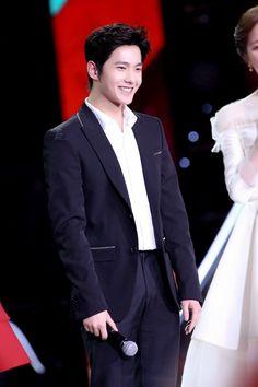 Yang Chinese, Aaron Yan, Yang Yang, My Idol, Beautiful People, Eye Candy, Kpop, Actors, Concert