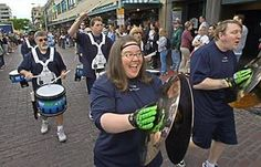 seattle blue thunder drumline pictures | Lise Brandhagen leads the Seahawks Blue Thunder drum line during the ...