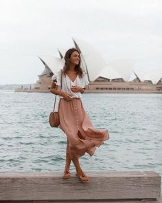 48 Midi Skirt Design Ideas That you Can Copy Right Now is part of fashion Summer Street Chic Outfits - You may put on a midi skirt design ideas for virtually any occasion Women's dresses are very graceful Dresses and […] Spring Look, Spring Summer Fashion, Spring Outfits, Summer Outfit, Dress Summer, Long Summer Skirts, Europe Outfits Summer, Outfit Night, Beach Outfits