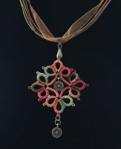 Tatted necklace with bronze beads by IzabelkaG.   So pretty.