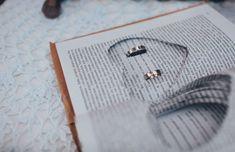 Подушки для колец на свадьбу: фото подушечек для колец - Невеста.info Ring Pillows, Cufflinks, Rings, Accessories, Fashion, Moda, La Mode, Ring Pillow, Ring