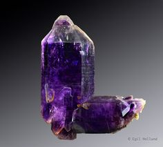 Quartz var.Amethyst Scepter Japan-law Twin - Erongo Region, Namibia Size: 15.0 x 12.0 x 4.0 cm