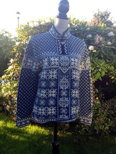 Dale of Norway Heritage collection, Norwegian wool sweater made in Norway-woman's size L on Etsy, $218.00
