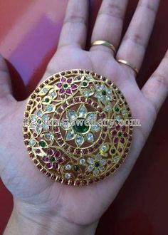 Latest Collection of best Indian Jewellery Designs. Jewelry Design Earrings, Gold Earrings Designs, Ruby Jewelry, Gold Jewellery Design, Gold Jewelry, Designer Jewellery, Hair Jewelry, Antique Jewelry, Indian Jewelry Sets