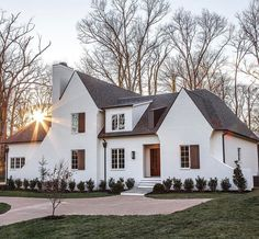 ideas exterior house design dream homes shutters Style At Home, Future House, White Houses, House Goals, Cozy House, Cottage House, Home Fashion, My Dream Home, Dream Homes
