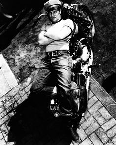 #marlonbrando #thewildone #styleinfluencer #originalrebel #hollywoodicon #hollywoodlegend