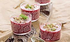 Creme frio de beterraba com funcho, uma excelente opção para começar uma refeição.